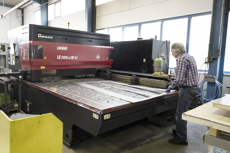 bvh blechverarbeitung laserschneiden bvh laserschneiden maschine aktion